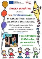 Den otevřených dveří v dětské skupině s divadélkem